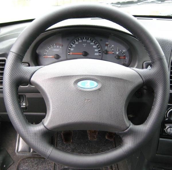 Кожаная оплетка на руль УАЗ Патриот