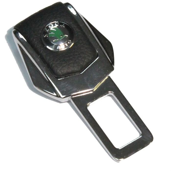 Заглушка ремня безопасности с логотипом Skoda - фото 10557