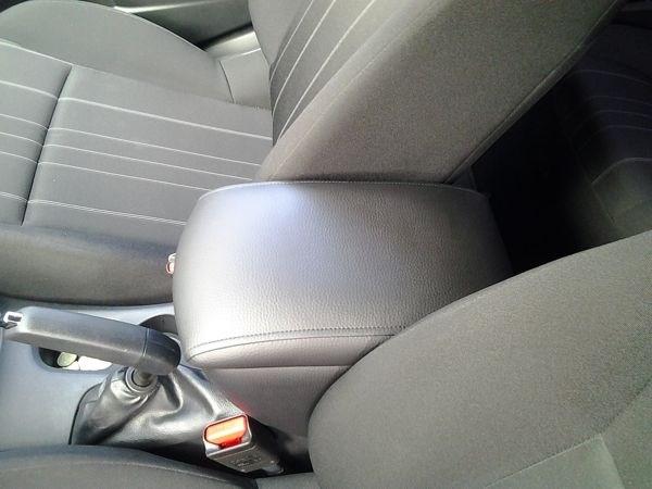 Подлокотник Citroen C4 хетчбек - фото