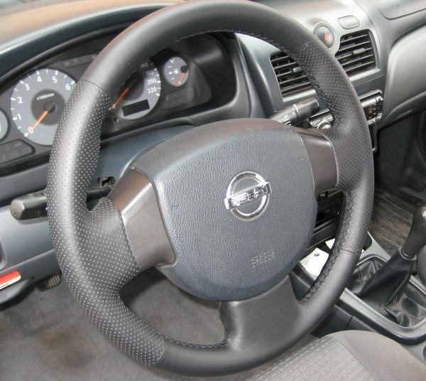 оплетка на руль Nissan Almera Classic