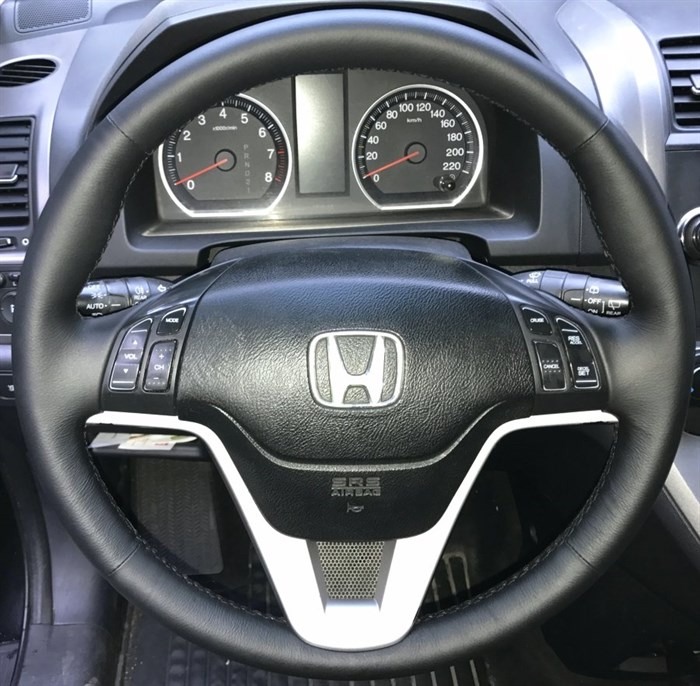 Оплетка на руль из натуральной кожи Honda CR-V III 2007-2012 г.в. (черная) - фото 9170