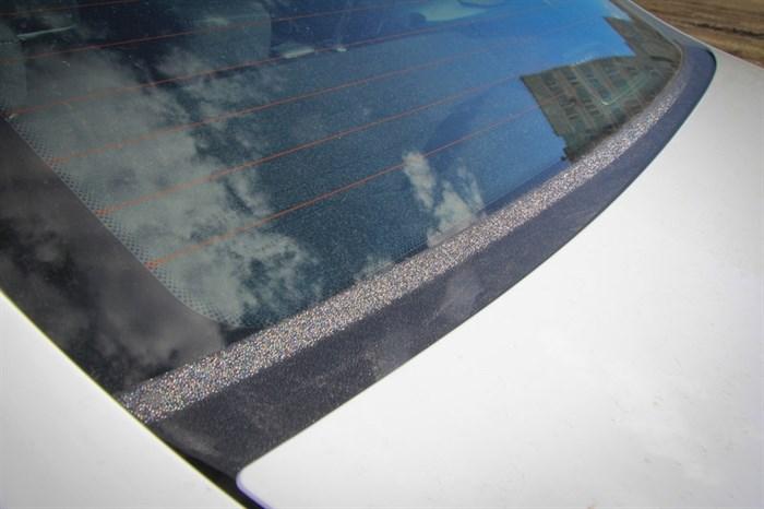 Накладка в проём заднего стекла (Жабо) Лада Веста - фото 9279