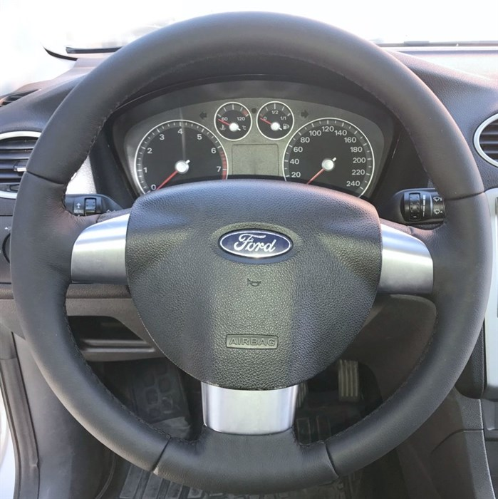 Кожаная накладка на трехспицевый руль Ford Focus II - фото 9489