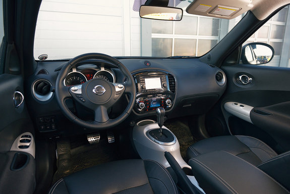 заглушка подушки безопасности панели Nissan Juke