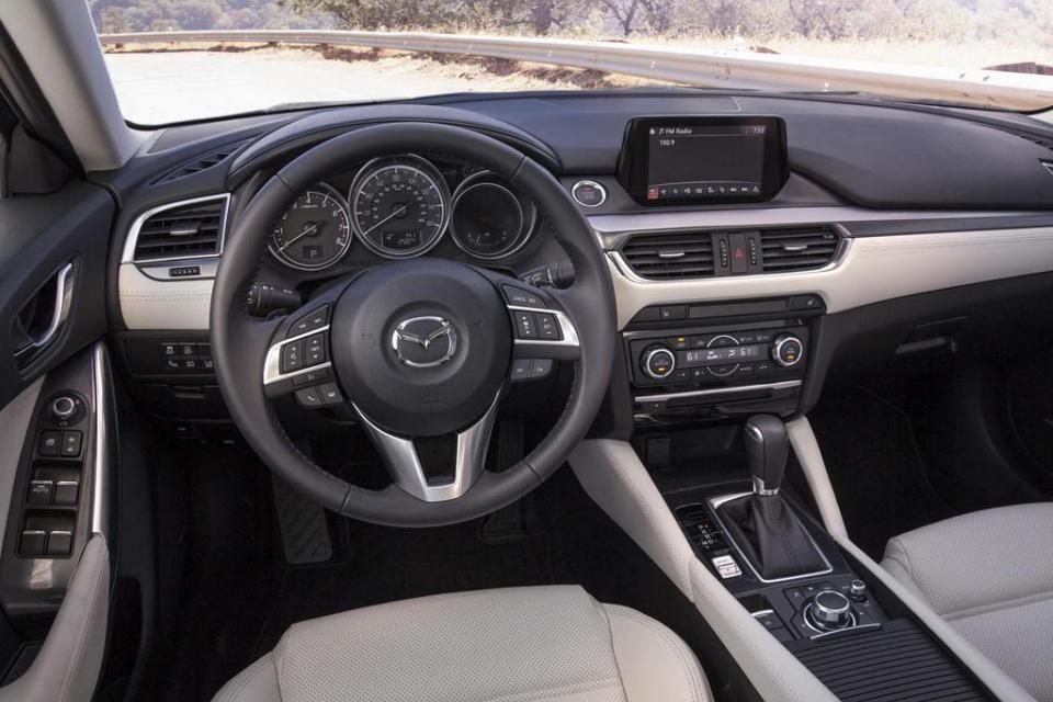 заглушка руля Mazda 6