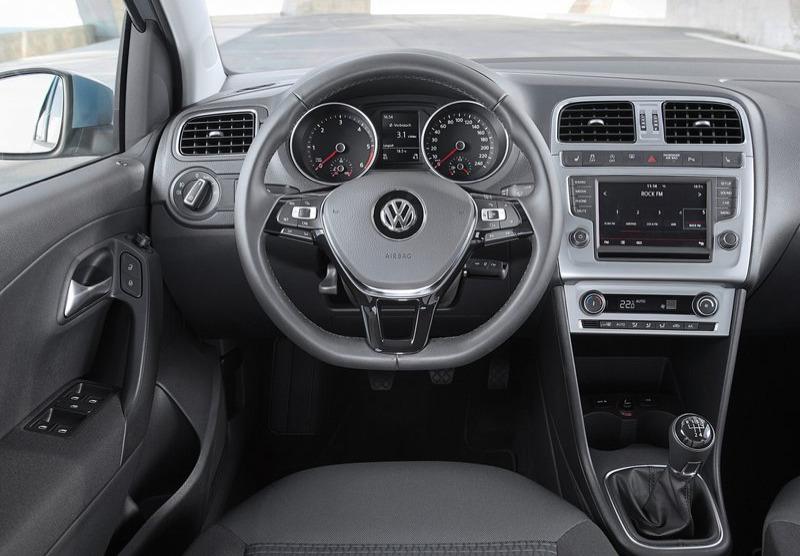 Накладка подушки безопасности Volkswagen Polo с 2015 г.в.