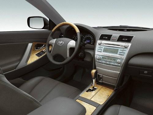 Заглушка руля Toyota Camry