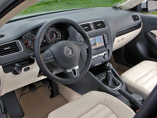 заглушка руля  Volkswagen Jetta 6